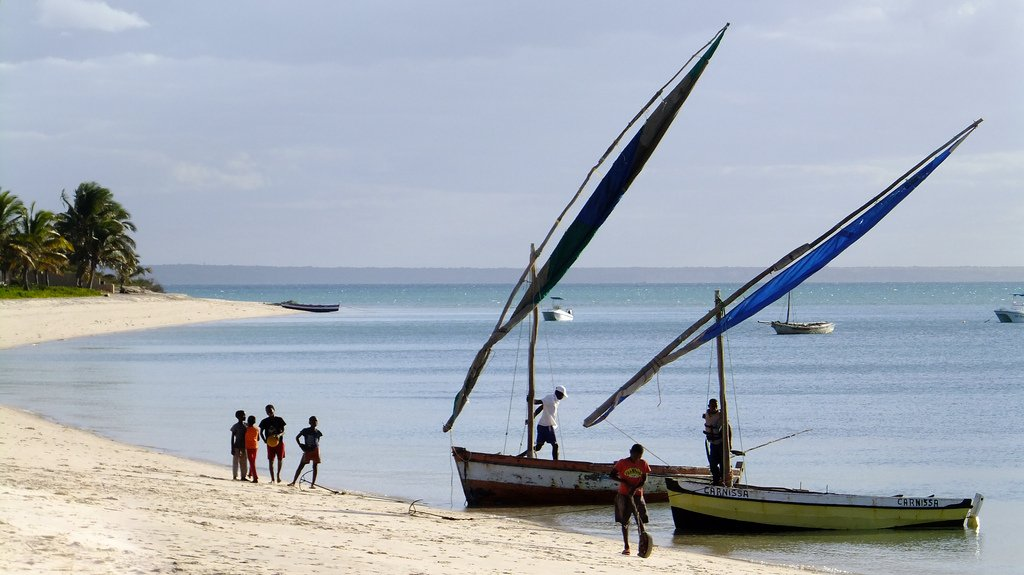 Mozambique: Go before the crowds
